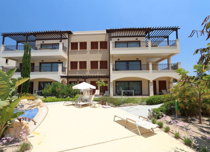Cyprus beautiful apartment in a golf resort
