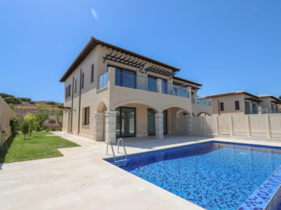 Cyprus Magnificent villa in a golf resort