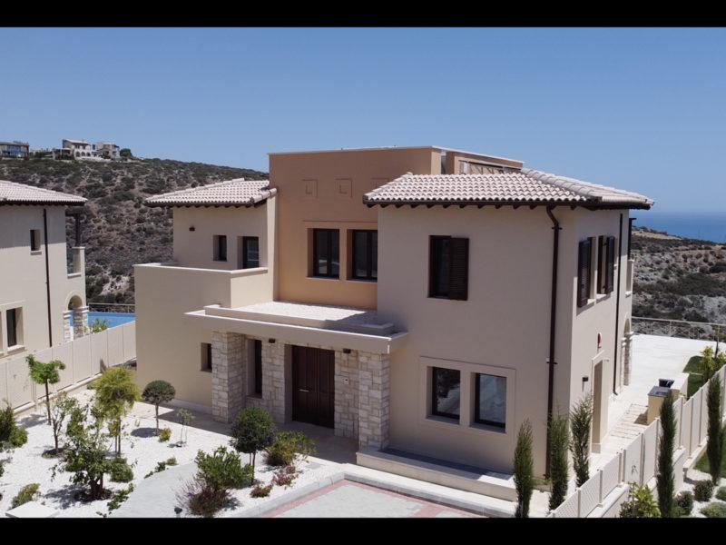 Beautiful Cyprus villa near a golf resort